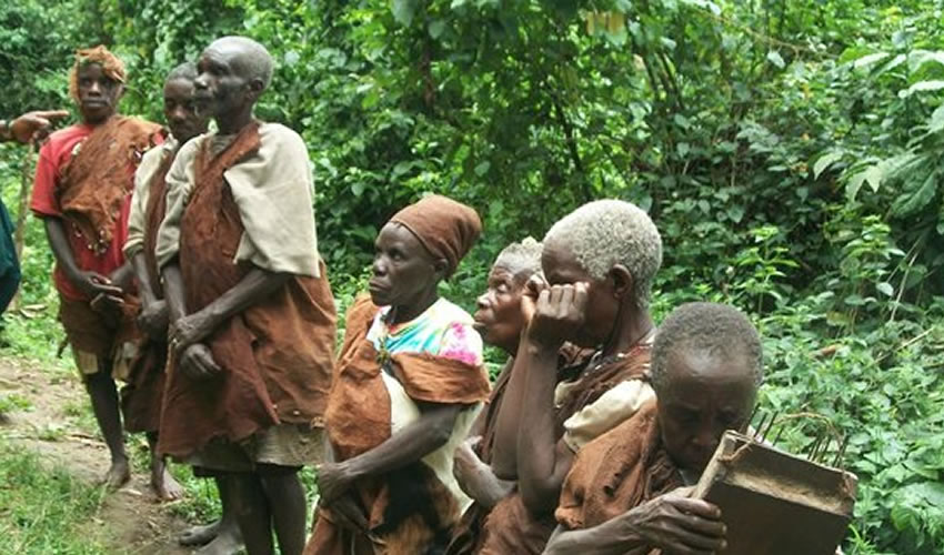 Visiting the Batwa in Uganda