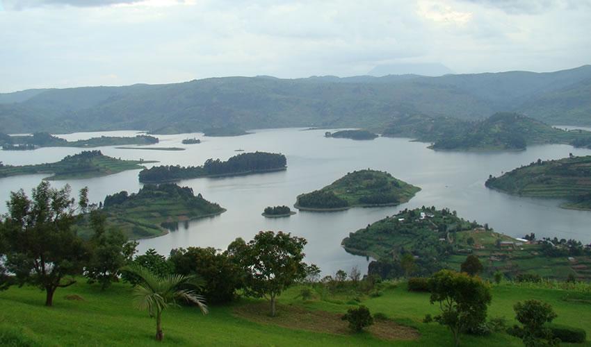 Discover The Beauty Of Lake Bunyonyi